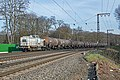Duisburg OAK-Capital 203 007 met petrolium tankwagens (25347831315).jpg