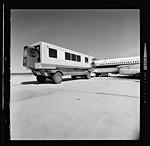 Dulles International Airport, mobile lounge 00771v.jpg