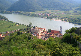Durnstein from castle.jpg