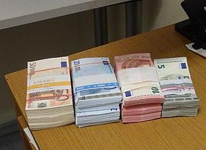 EURObanknotes.JPG