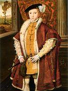 Prins Edvard vid 9 års ålder, med prinsens av Wales krona på hängsmycket.[8][9]