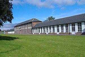 North Hull Estate - Image: Endike Primary School geograph.org.uk 515178
