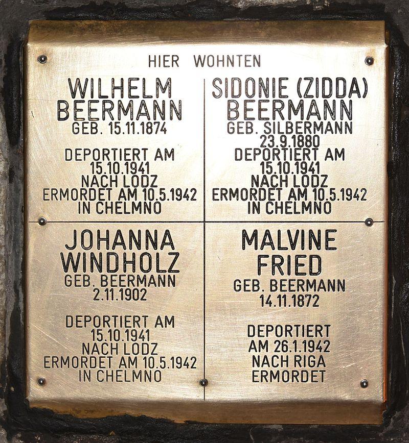Erinnerungsstein für Wilhelm und Sidonie Beermann, Johanna Windholz und Malvine Fried.JPG