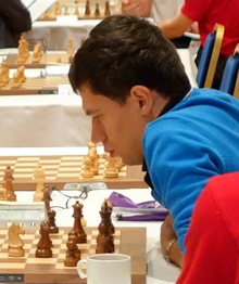 Description de l'image Evgeny Alekseev at 2013 Chess World Cup.png.