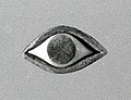 Eye inlay for a statue MET hb62 70 84.jpg