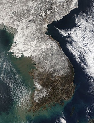 Geography of South Korea - Satellite image of Korean Peninsula on 3 January 2010, before a record snowfall since 1937 in Seoul area