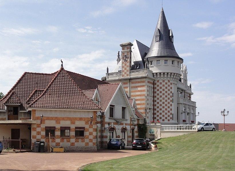 Famars (Nord,Fr) château, construit en 1918