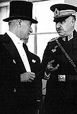 Fevzi Çakmak and Kemal Atatürk.jpg