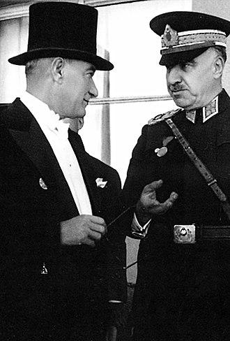 Fevzi Çakmak - Fevzi Çakmak with Mustafa Kemal Atatürk (Republic Day, 23 October 1937)