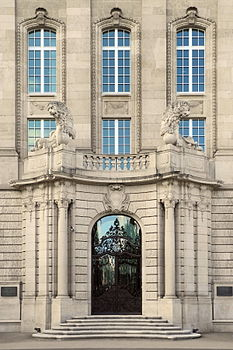 Firmenarchiv der Swiss Re 2012-09-15 16-11-44.jpg