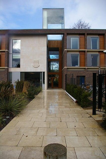 Fitzwilliam College porters' lodge - geograph.org.uk - 732987