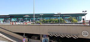 Fiumicino Airport 2011-by-RaBo-02.jpg