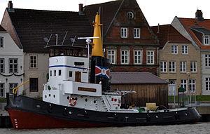 Flensburg (tugboat, 1954) 01.jpg