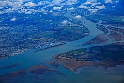 Flight from YVR to Las Vegas - Fraser River delta in Richmond (15468294310).jpg