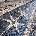 Follow The Stars (22312193146) (2).jpg