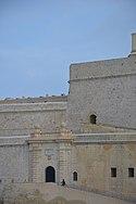Fort San Angelo gate.jpg