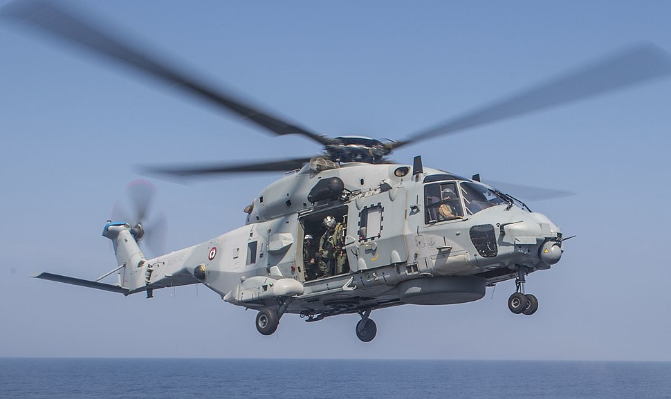 French Navy NH90 lands on USS Antietam (CG-54) in the Bay of Bengal (cropped)