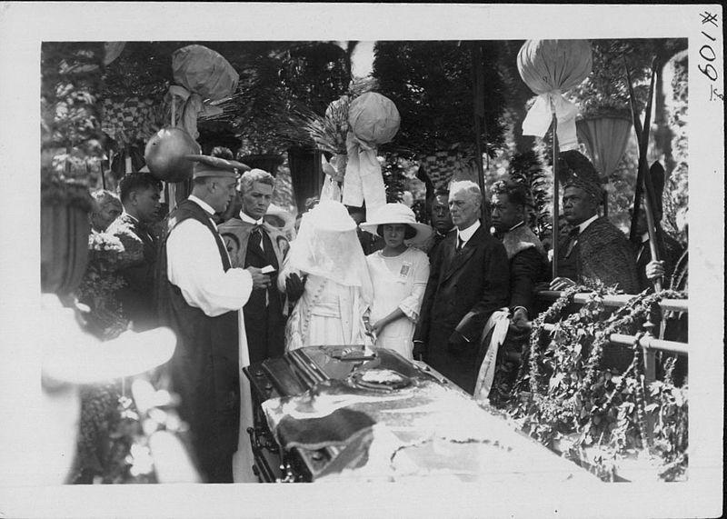 File:Funeral of Jonah Kūhiō Kalanianaʻole (PP-25-9-006).jpg