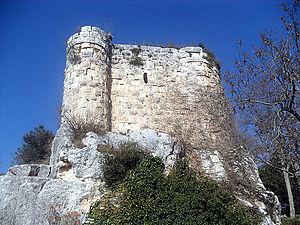 Gözne Castle - Image: Gözne Castle (east)
