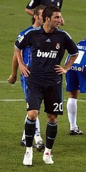 Higuaín con la maglia del Real Madrid nella stagione 2009-2010