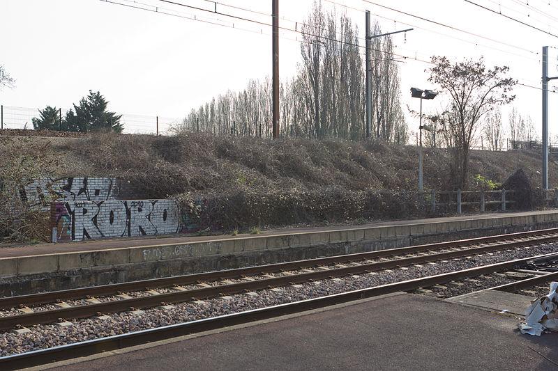 File:Gare de Grigny-Val-de-Seine - 3IMG 0091.jpg
