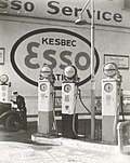 Gasoline Station, Tenth Avenue and 29th Street, Manhattan (NYPL b13668355-482728).jpg