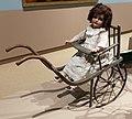 Germania, passeggino (1915-20 ca.) con bambola del 1911, 02.jpg