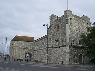 Southampton town walls - God's House Gate (l) and Tower (r) on the south-east corner of the walls