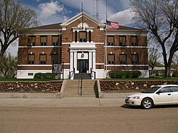 Golden Valley County Courthouse.jpg