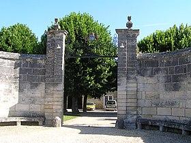 L'entrée de la mairie de Gondeville