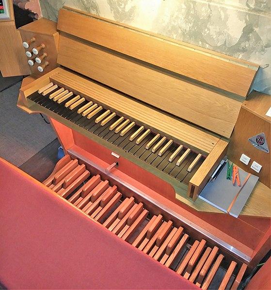 Datei:Grasbrunn, St. Ulrich (Schuster-Orgel) (18).jpg