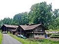 Häuser auf dem Weg nach Iseltwald - panoramio.jpg