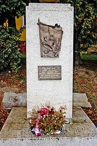 Habartov pomník zastřelených četníků.jpg