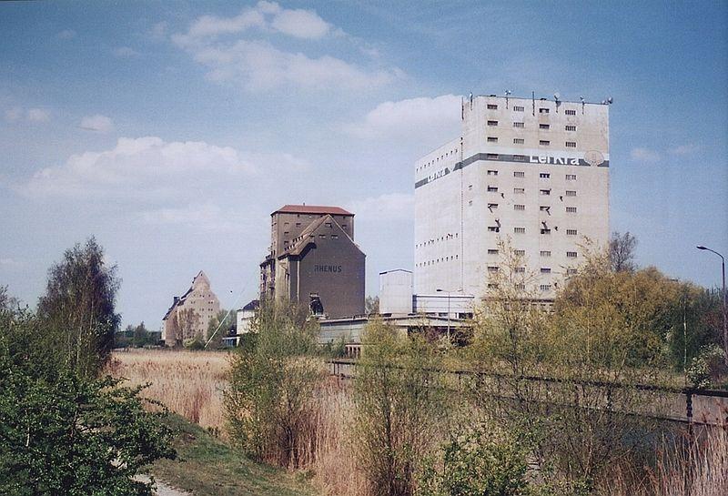 Zweifelhafte Hafenidylle - (C) Brandisthomas / Public Domain (via Wikimedia Commons)