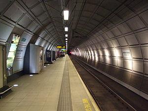Heathrow Central railway station - Image: Heathrow Central platform