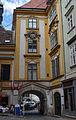 Heiligenkreuzerhof Durchgang Wien 1010.JPG