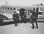 Herman Goring op Waalhaven, na capitulatie mei 1940 (3).jpg