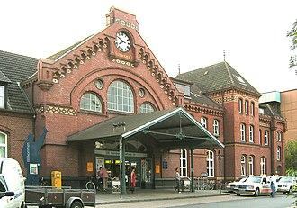 Hamburg-Harburg station - Station Hamburg-Harburg main entrance (in 2006)