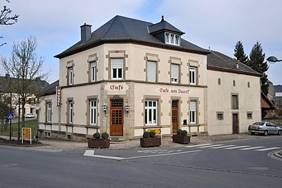 How to get to Heffingen with public transit - About the place