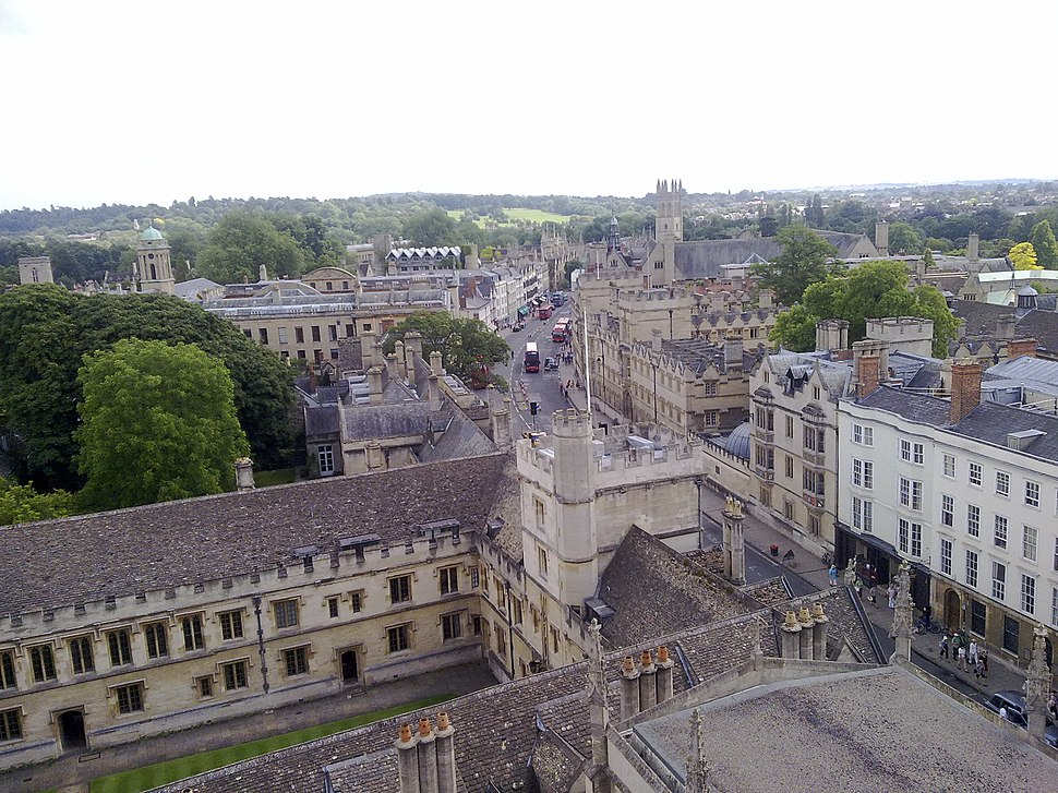 High Street Oxford looking east in landscape view
