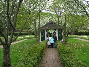 Hill–Stead Museum - The picturesque Sunken Garden at Hill–Stead