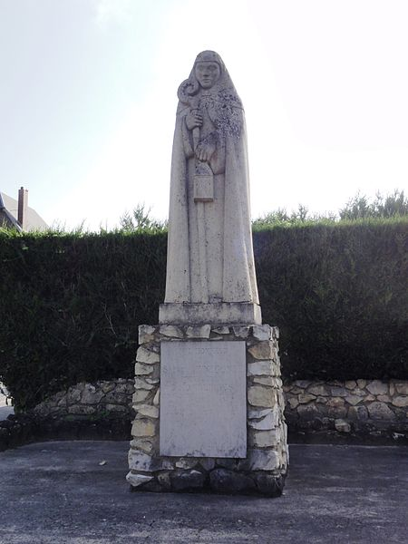 Homblières (Aisne) statue Sainte Hunegonde