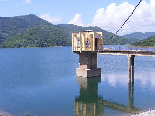 Yen Lap Lake