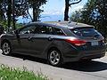 Hyundai i40 2.0 GL 2013 (15753778502).jpg
