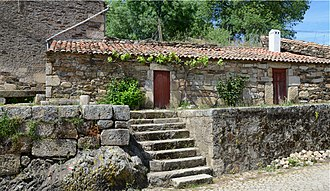 Idanha-a-Velha - Typical granite house
