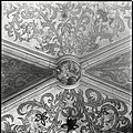 Interieur, detail van vierde gewelf sluitsteen boven het hoogkoor, geteld van uit het oosten - 's-Hertogenbosch - 20424567 - RCE.jpg