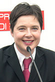 Isabella Rossellini - at the 2005 Torino Film Festival (cropped).jpg