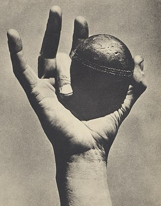 Jack Iverson - Iverson's unique bowling grip
