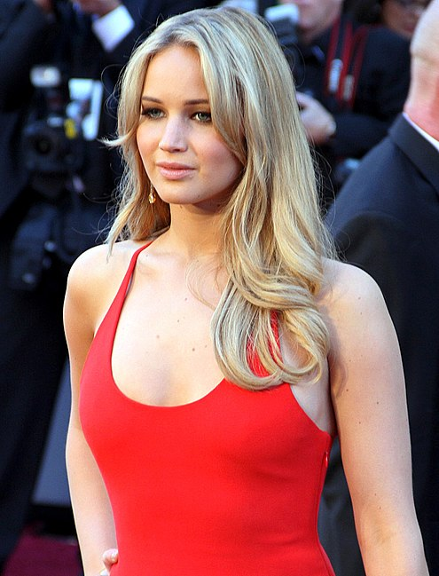 Jennifer Lawrence Hot Orange Bra a Wardrobe Malfunction?