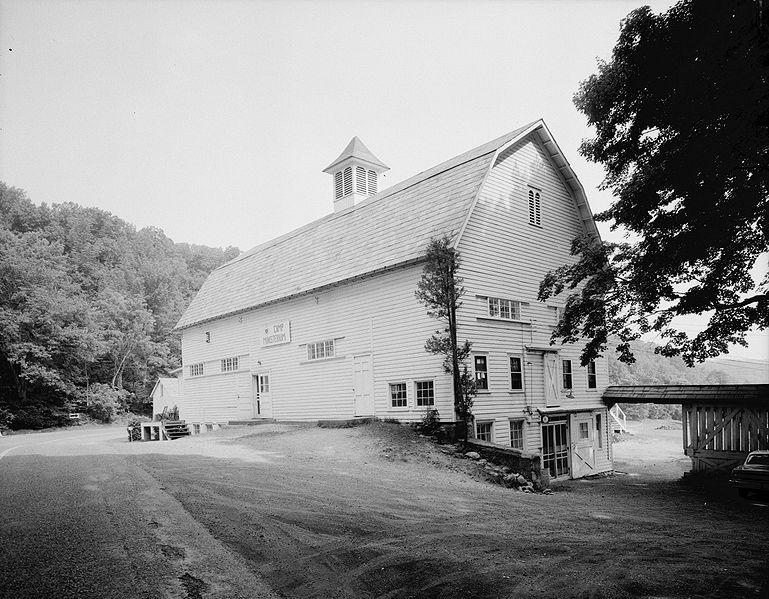 File:John Turn Farm barn.jpg